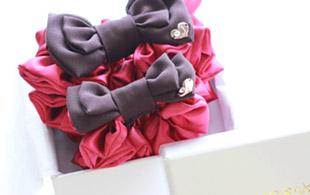 親子お揃いシュシュ(ペアヘアアクセサリー)専門店ジュメルピンクレッドとチョコブラウンリボンラッピング画像